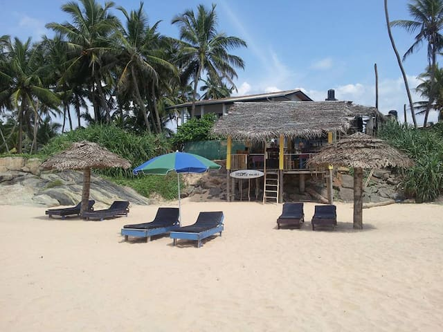 Sunny, private place, beachside - Boossa - Bed & Breakfast