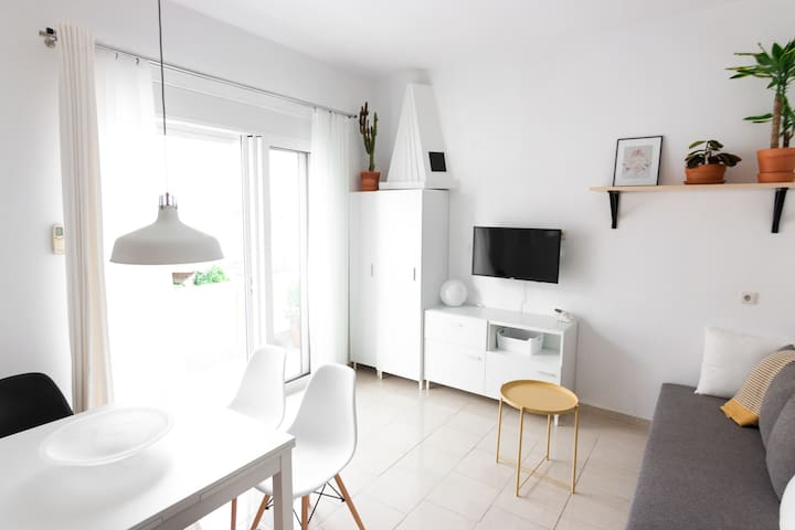 Helios · COSY & SUNNY apartment with BALCONY