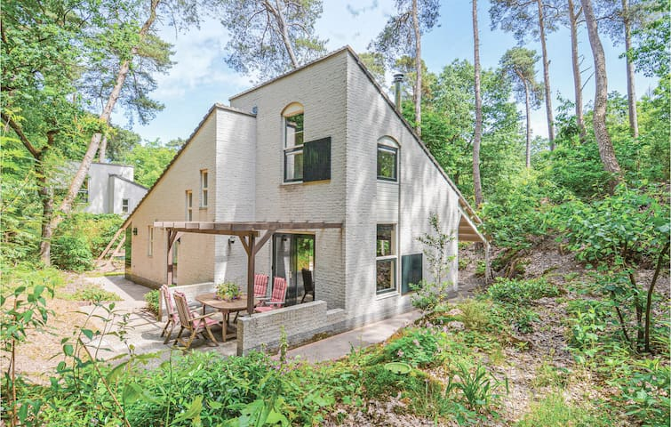 Holiday cottage with 3 bedrooms on 85m² in Nunspeet