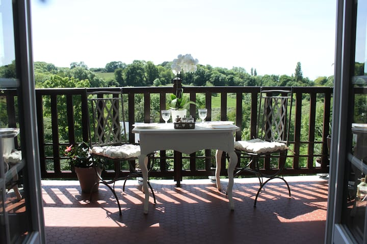 CHARMING AND ROMANTIC APARTMENT FOR 2 PERSONS