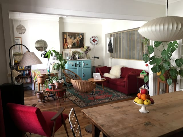 Handsome wellplaced flat in Paris