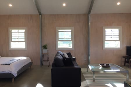 BYRON HINTERLAND ECO-LUXE STAY - OffTheGrid Luxury - Myocum - กระท่อม