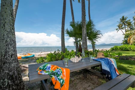 Palms on Newell  - Beachfront/Wifi/Heated pool
