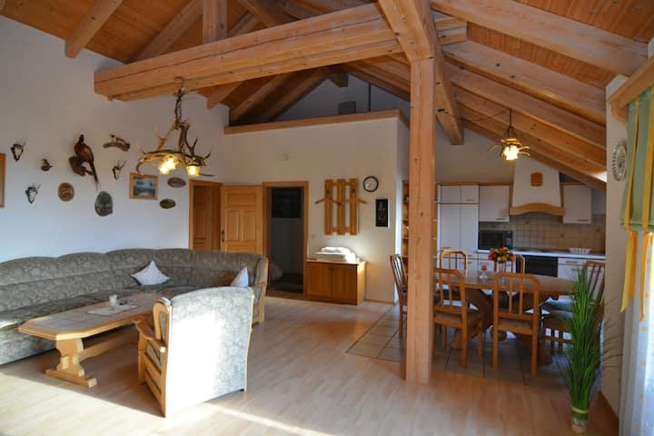 Cushy Apartment with Jacuzzi, Sauna, Solarium, BBQ, Balcony