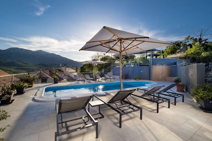 Mountain view Vila Vito with the pool