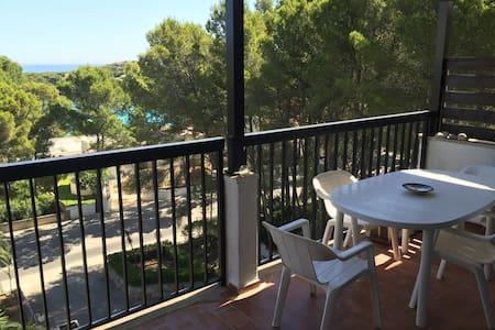 Apartamento con vistas a la playa y bosque - Capdepera