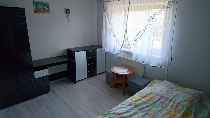 Dom Bursztynek - pokój 2 osobowy