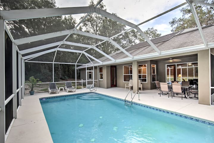 Citrus Springs Home w/Lanai, Grill & Private Pool!