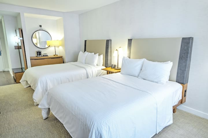 ★★SLEEP ON CLOUD 9 IN OUR DOUBLE BED SUITE★★