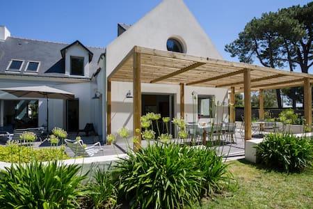 LE CAP - Beautiful Seaside House -12 people