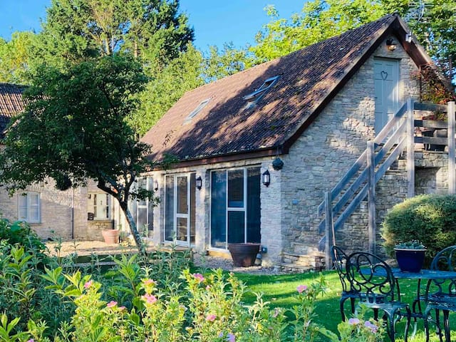 Cotswold Annex (4 adults - +2 children) Malmesbury