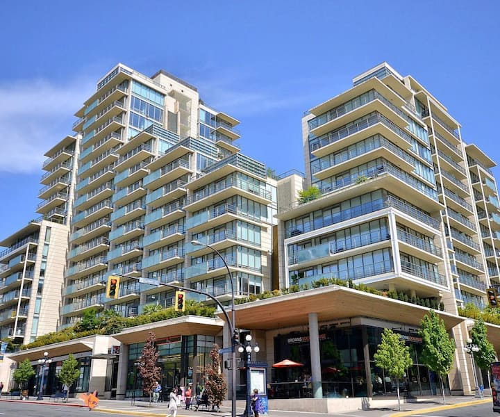 Luxury+View +Big Patio (Flr 11) Click for low rate