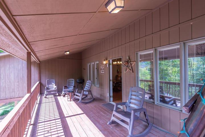 Springdale Pine Forest Home Lodging