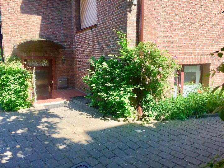 Stadtvillasilke Fewo2 max. 3 Gäste + Terrasse