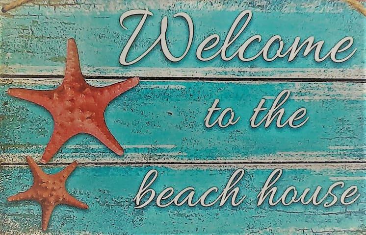 theguesthouse > Beach House #01
