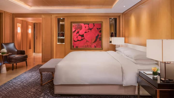 Appealing Double Bed At Pudong