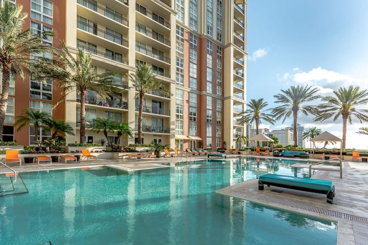 Amazing Resort Style Luxury Share By CityPlace