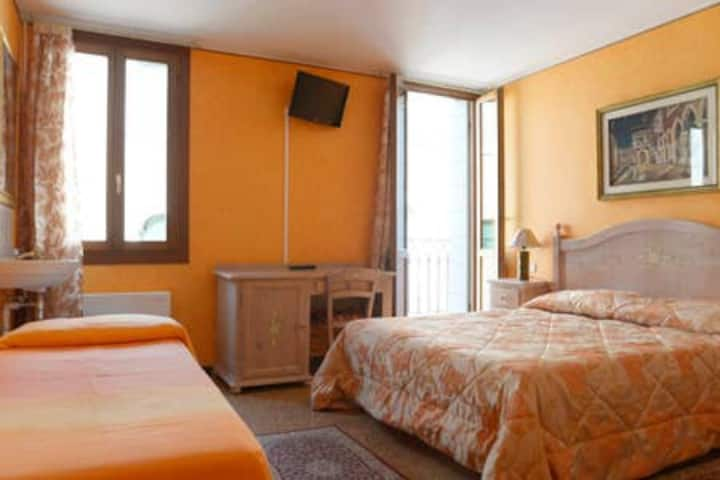 Triple Room 2 - Best Holidays Venice