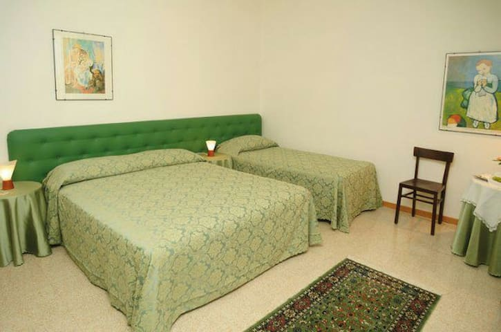 Relax - Corridonia - Bed & Breakfast