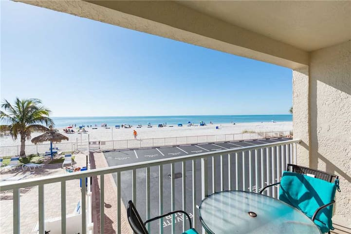 #108 Beach Place Condos - Madeira Beach - Dom