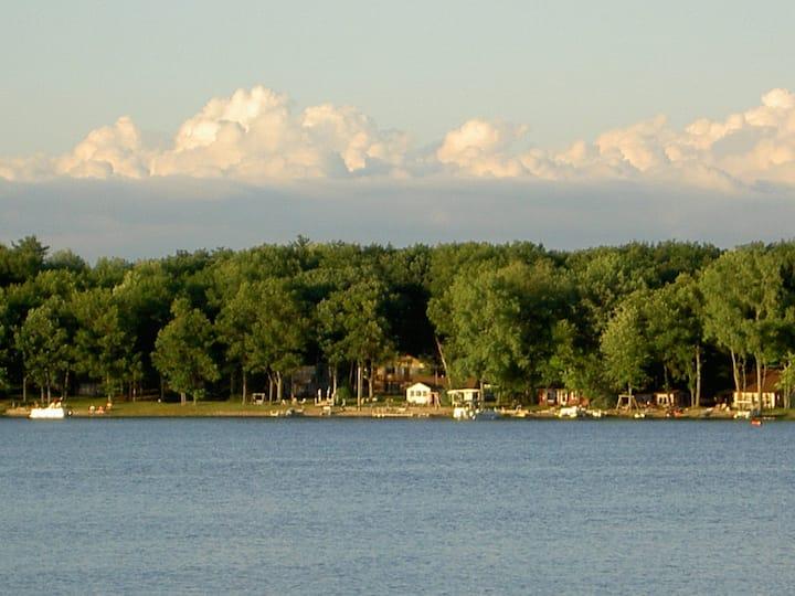 Up North Retreat at beautiful Pretty Lake