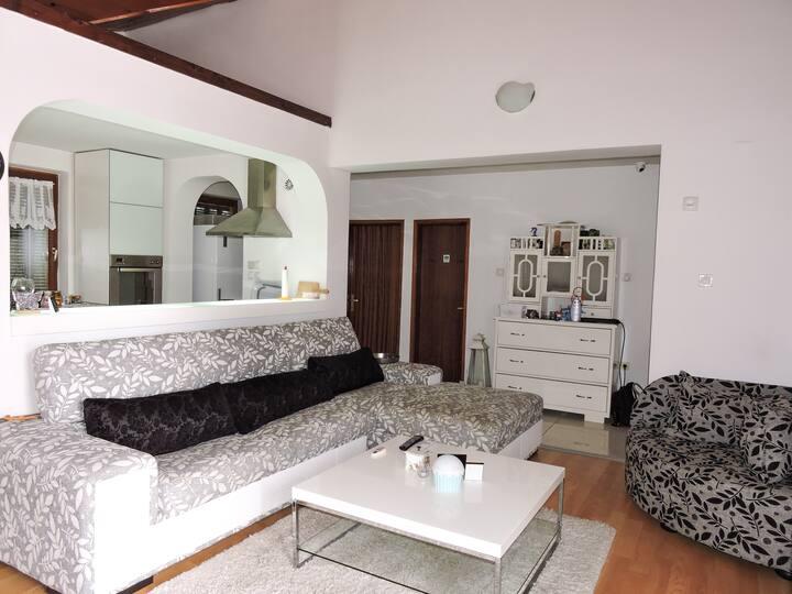 Avala Trešnja Getaway House