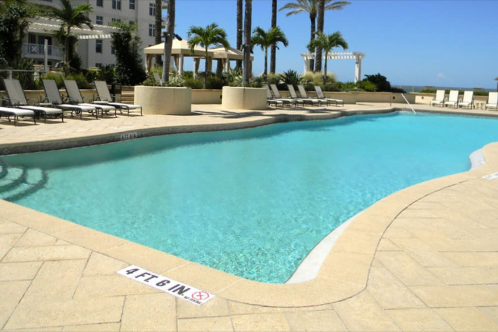 Another beautiful shot of our Sandpearl private pool for our guests