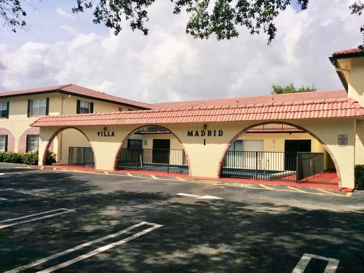 Coral Springs - Comfortable and Convenient