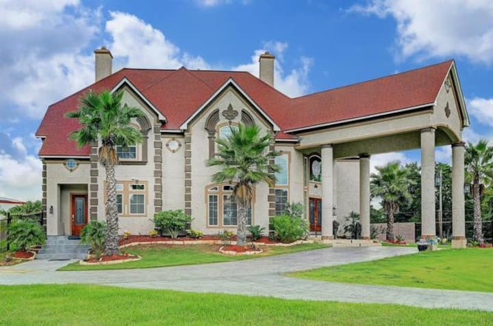 Luxury  Mansion 6BEDROOMS