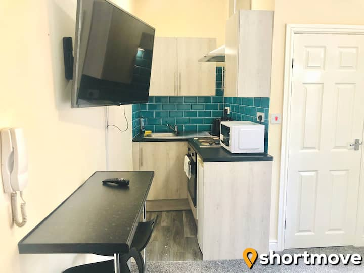 SHORTMOVE | City Centre | Wifi | Kitchen | Laundry