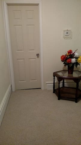 Small But Comfy Nest. Private Unit. No Share - Harrisburg - Huis