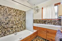 Main bathroom / toilet separate