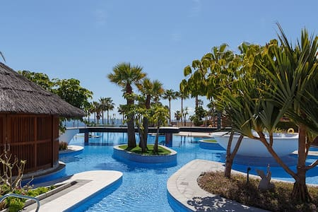 Mar Azul Luxury Apartment Estepona