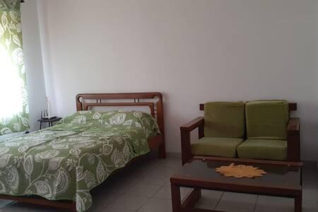 Bonita y comoda habitación, con buena ubicación