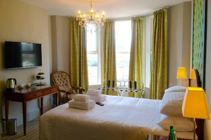 Boutique B&B with views of De La Warr Pavilion -2 - Bexhill - Bed & Breakfast