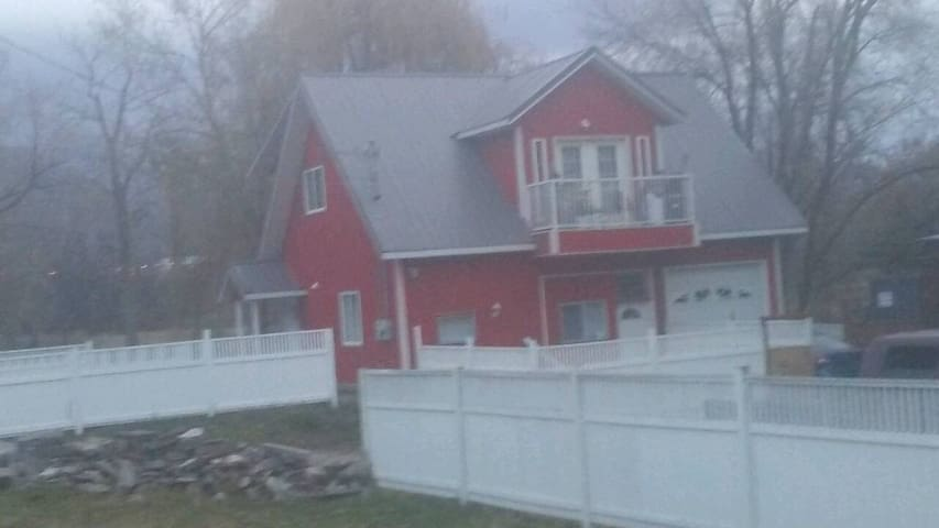 Oliver's Red Barn