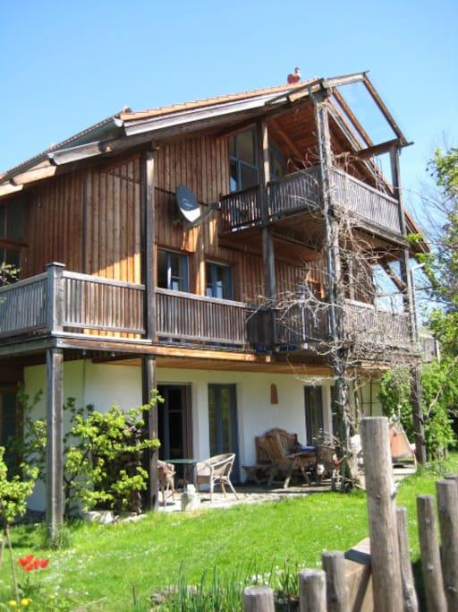 Charmantes Landhaus am Fuße der Berge - Südseite