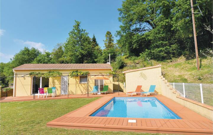 Stunning home in Molières-sur-Cèze with WiFi and 2 Bedrooms