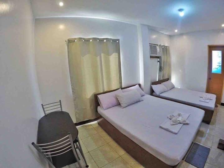 LCB Apartelle Room A (5-6pax)