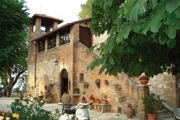 """Tenuta di Verzano """"IL CASALE"""" - Sant'Oreste"""