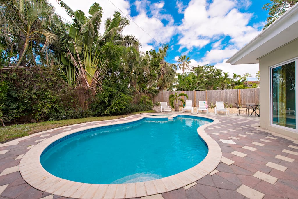 BBQ, lounge or swim in the hot tub or pool