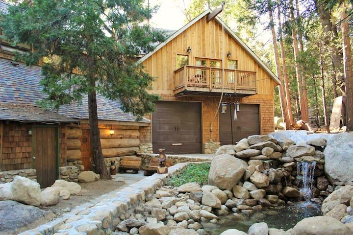 Root-Stone Lodge   Polaris