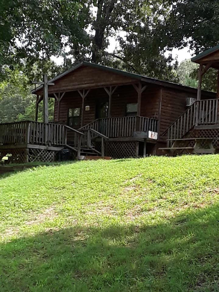 Southfork Resort- Deluxe River Cabin
