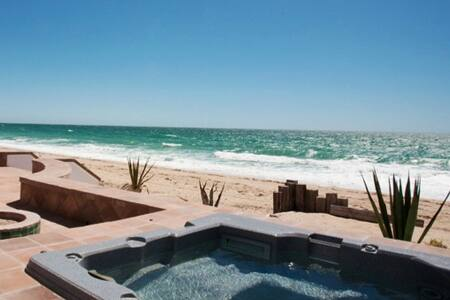 Casa Playa / Beach Front / Heated Spa / BBQ