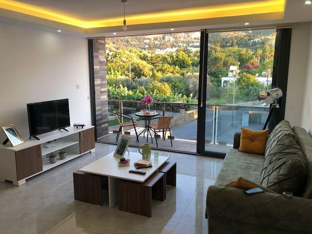 Luxury flat, great view-terrace-pool Lapta Kyrenia