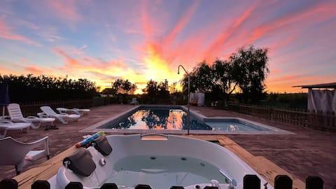 Casa Rural Chavascat con piscina y Jacuzzi privado
