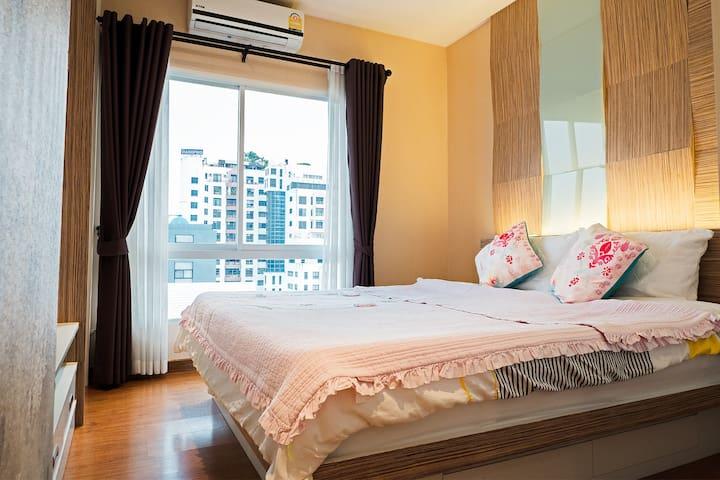 Comfy Room Heart of Chiang Mai near MAYA & Nimman