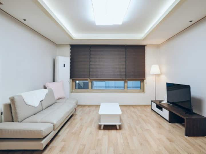 Bright House for Family 3Rooms 2Bath in Gangnam