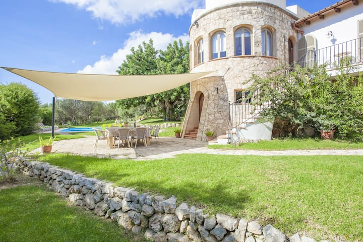 ES GARROVER - Villa with private pool in CALA MILLOR. Free WiFi