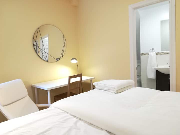 Private Bedroom & Private Washroom -Downtown